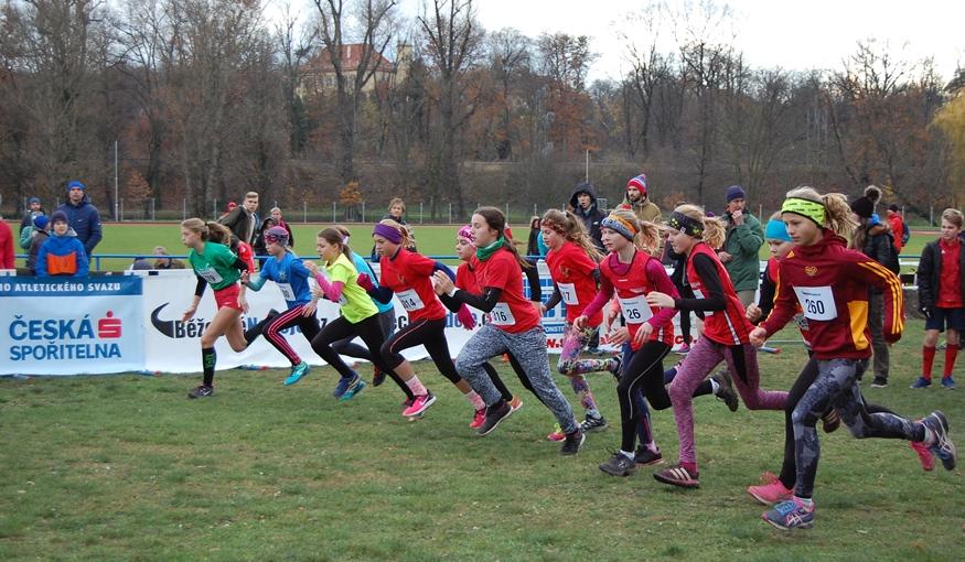 Na rekordním Podzimním běhu Olympu brali hlavní vánočky Procházka a Stýblová